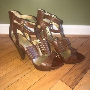GUESS Brown Platform Front Double Buckle Sandals